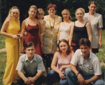 О. І. Фечко-Каневська зі студентами університету «Україна». Хуст, 2010 р.